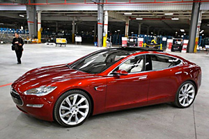 Tesla's Model III – 200 miles per charge & costs $35,000